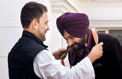Rahul Gandhi sent me to Pakistan, he is my 'captain': Navjot Sidhu
