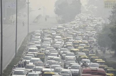 Delhi pollution: Smog in national capital, AQI recorded at 698