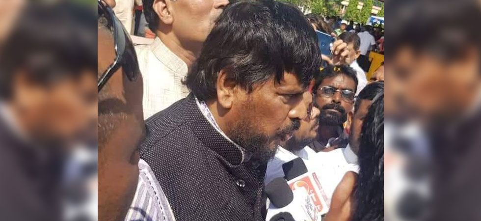 Supporters of Athawale thrashed Gosavi for slapping the Union minister. He was rushed to the hospital in critical condition.  (Photo: Twitter/@RamdasAthawale)