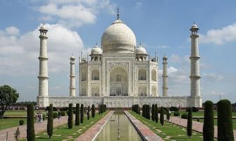 Taj Mahal ticket to increase by Rs 200