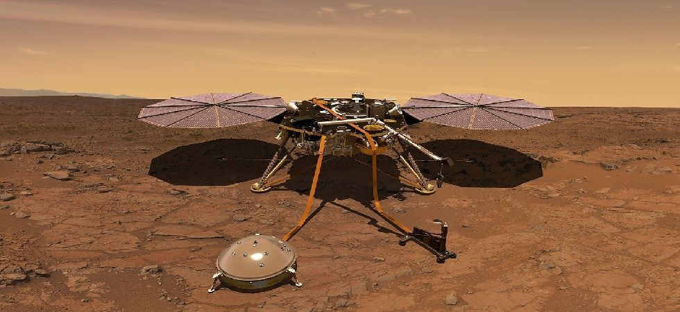 The image includes the lander's solar panel and its entire deck (Photo: Twitter)