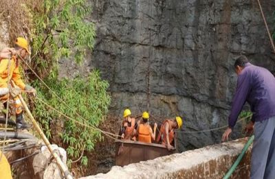 No clue of 13 people trapped in Meghalaya 'rat-hole' mine, scuba divers called in to search