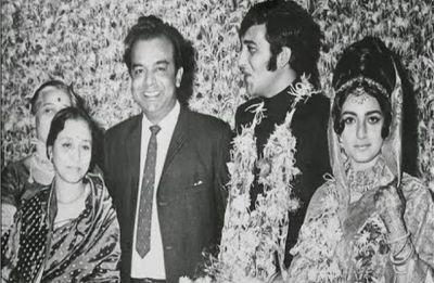 Actor Vinod Khanna's first wife Geetanjali dies at 70