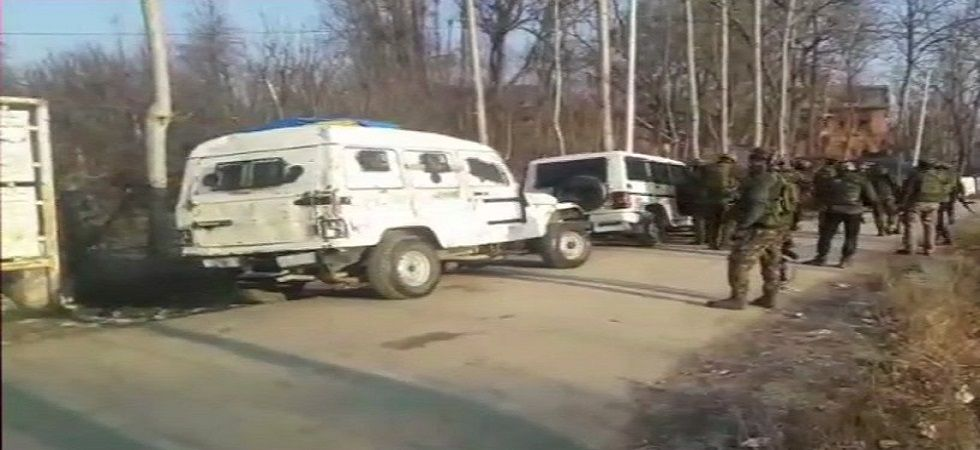 The separatists, under the banner of the Joint Resistance Leadership (JRL), comprising Syed Ali Shah Geelani, Mirwaiz Umar Farooq and Mohammad Yasin Malik, had Saturday asked the people to march to the corps' headquarters