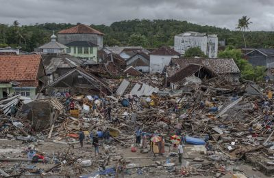 Indonesia Tsunami death count rises to 373, efforts to collect bodies intensify