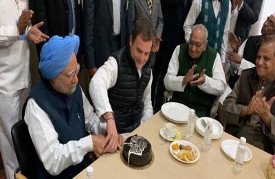 On Congress Foundation Day, Rahul Gandhi and Manmohan Singh's 'sweet' moment steals the show