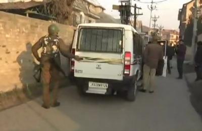 Srinagar: Suspected terrorists loot AK-47 rifles from Congress MLC Muzaffar Parray's residence