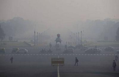 Delhi wakes up to smoggy morning, AQI recorded at  443