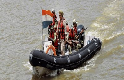 BSF seizes Pakistani fishing boat at Vyanvari Creek in Kutch