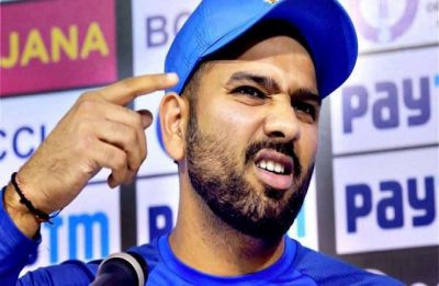 After India's Sydney ODI defeat, Rohit Sharma differs with Virat Kohli over MS Dhoni