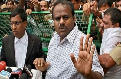 Big setback to Kumaraswamy-led Karnataka government as two lawmakers withdraw support