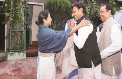 SP leader Akhilesh Yadav to attend Mamata Banerjee's rally in Kolkata