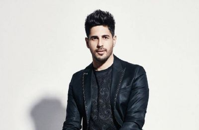 Watch video: When a dog interrupts Sidharth Malhotra's ramp walk