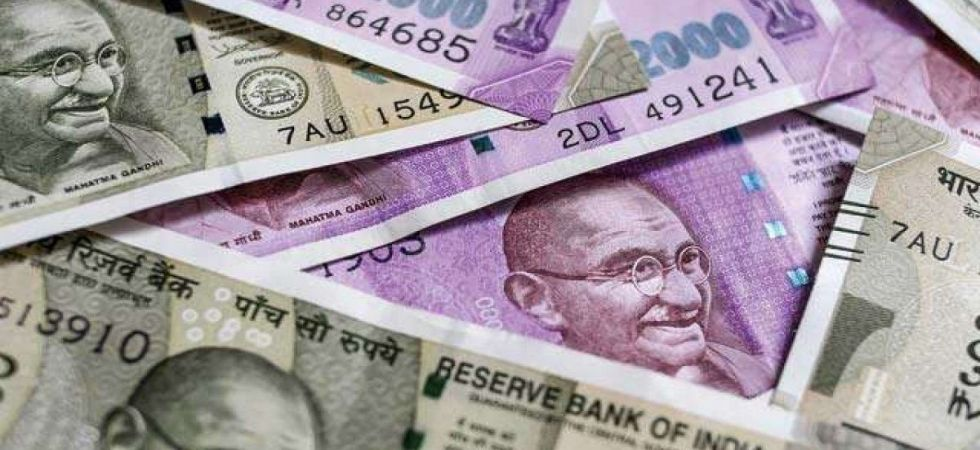 Rupee slips 21 paise to 71.24 vs USD in early trade (File Photo)