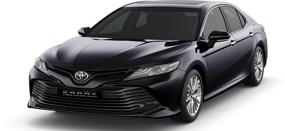 Outside and inside – the all new Toyota Camry Hybrid 2019 is the same beauty. (Photo: Toyotabharat.com)