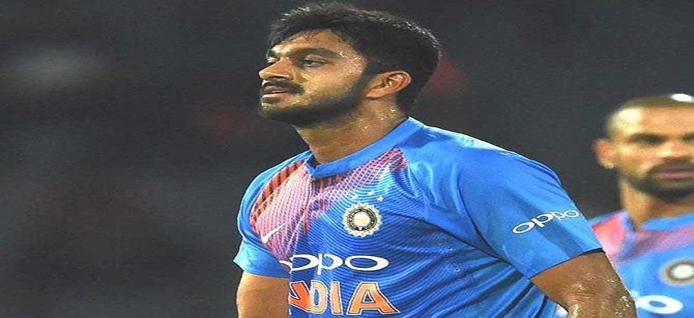 Vijay Shankar has been included as the bowling all-rounder in the side for the MCG game against Australia. (Image credit: Twitter)
