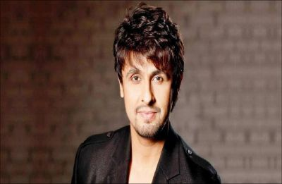 Sonu Nigam gets trolled to twisting fan's arms for clicking selfie