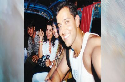 Photo of the day: Shah Rukh, Gauri, Hrithik Roshan and Farah Khan on a merry Tuk-Tuk ride!