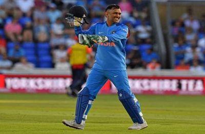 Yeh aankh band karke rokega: MS Dhoni's premonition helps Kuldeep Yadav get a wicket