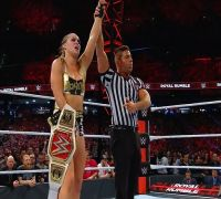 Seth Rollins, Becky Lynch win in WWE Royal Rumble; Brock Lesnar and Ronda Rousey dominate