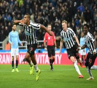 Manchester City stumble against Newcastle, Liverpool extend advantage