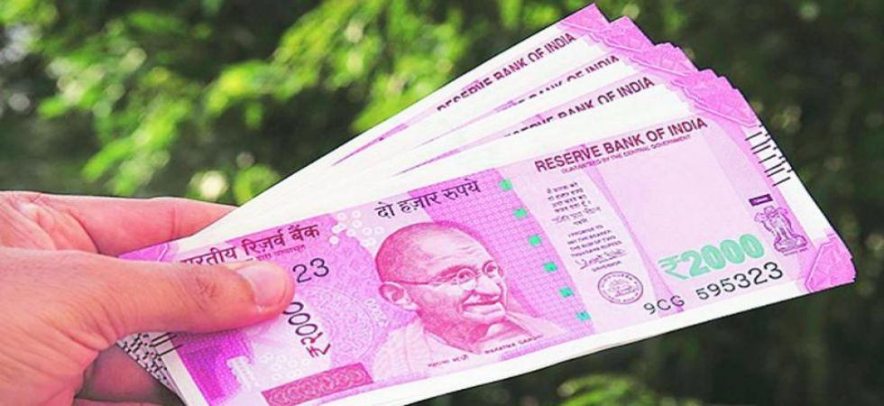 Rupee slips 25 paise to 71.36 vs US dollar in early trade (File Photo)