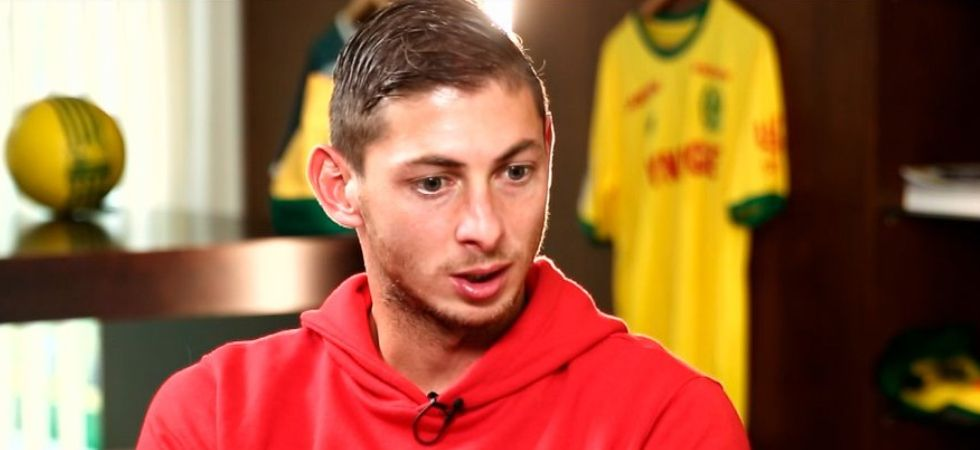 Emiliano Sala, Argentine footballer, confirmed dead after police identify body from plane wreckage