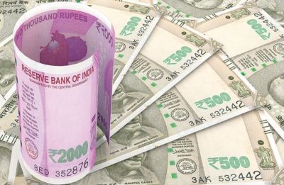 Rupee gains 13 paise to 71.32 vs dollar in early trade after RBI rate cut