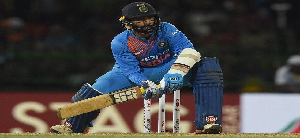Dinesh Karthik refused a single in the last over as India lost the three-match series 1-2 after losing in Hamilton. (Image credit: Twitter)
