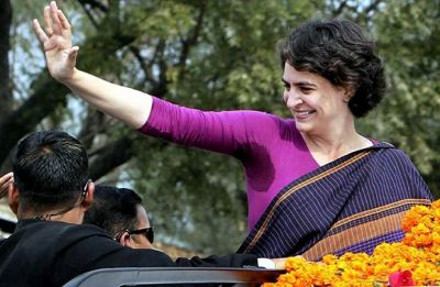 Priyanka Gandhi gets over 1 lakh Twitter followers within hours, Shashi Tharoor calls her 'superstar'