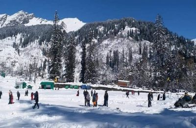 Amid fresh snowfall prediction, schools in Himachal Pradesh to remain shut till February 17