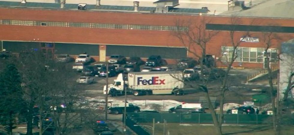 US mass shooting: 5 killed, 5 cops wounded as gunman opens fire on