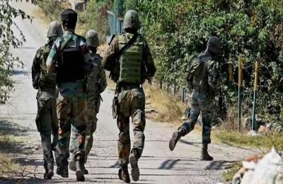 Pulwama: 4 including Army Major injured in Pinglan encounter, fierce gun battle underway