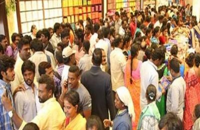Sale causes stampede-like situation at Telangana mall as women thronged to buy sarees at Rs 10