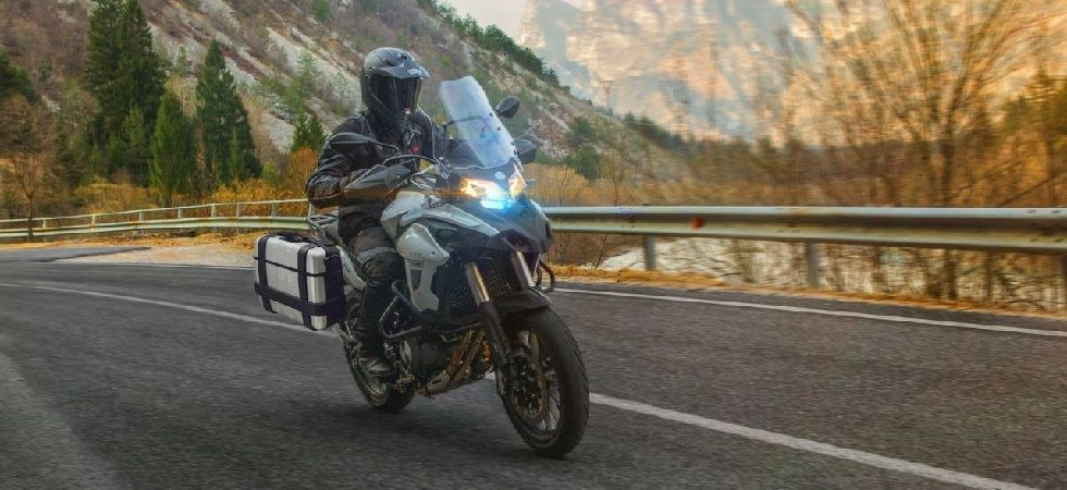 Benelli TRK 502 has large windscreen and knuckle guards on the handlebar (Photo: Twitter@DynamicD)