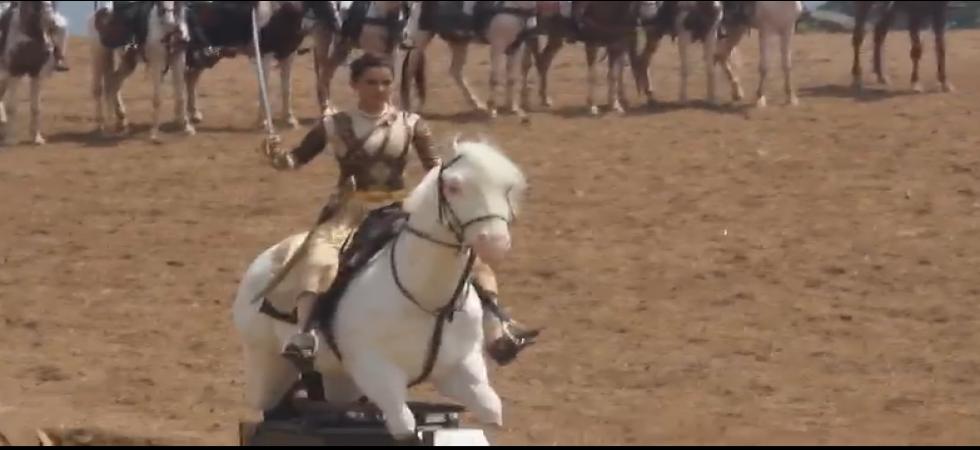 Kangana Ranuat's tolled for riding mechanical horse in Manikarnika (Photo: Twiiter)