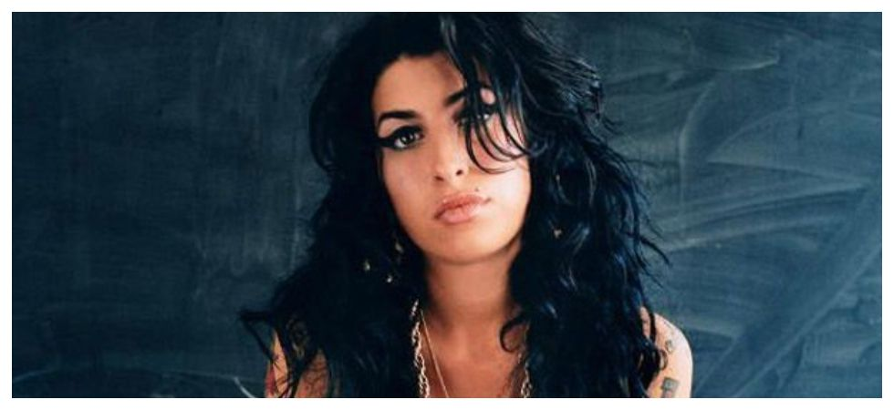 Amy Winehouse hologram tour put on hold