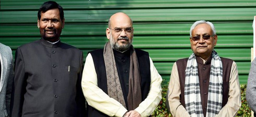 Bihar Chief Minister and JDU leader Nitish Kumar with BJP president Amit Shah and LJP chief Ram Vilas Paswan. (File photo: PTI)