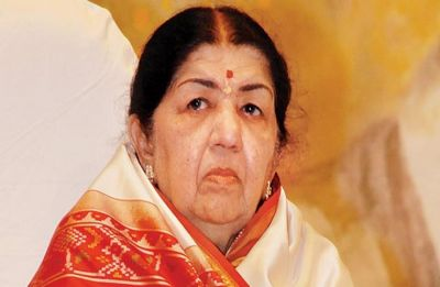Lata Mangeshkar announces Rs 1 crore help to Indian Army