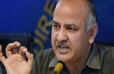 Guest teachers of Delhi government schools protest outside Manish Sisodia's residence