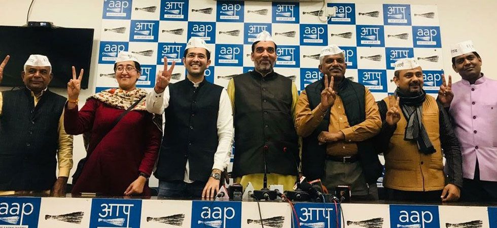 AAP leader Gopal Rai with candidates for the upcoming Lok Sabha Polls in Delhi. (Photo: Twitter/@AamAadmiParty)