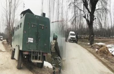 Encounter continues in Jammu and Kashmir's Handwara, Para Commandos called in