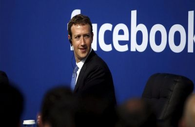 Mark Zuckerberg promises a privacy friendly Facebook, sort of