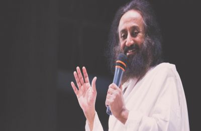 Sri Sri Ravi Shankar on Ayodhya order: Let's work towards 'happy ending' of century-long struggle