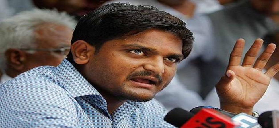 Patidar leader Hardik Patel joins Congress in presence of Rahul Gandhi