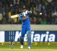 Australian legend Shane Warne explains why MS Dhoni should be in World Cup squad