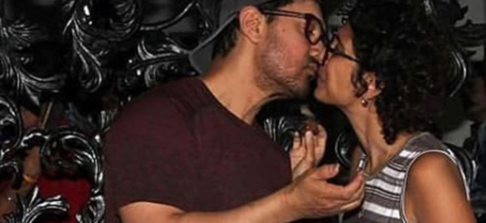 Aamir Khan lock lips with wife Kiran during cake cutting ceremony (Instagarm)