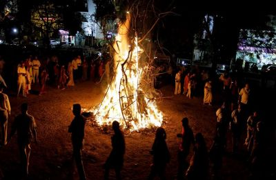 Happy Holi 2019: BJP ministers organise Holika Dahan to end evil of corruption