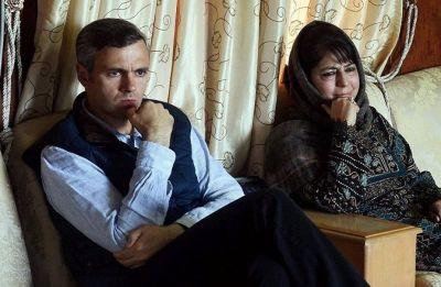Omar, Mehbooba see Lok Sabha polls behind government boycotting Pak Day event