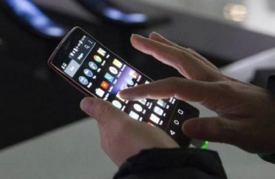 Excessive use of mobile phones disrupts sleep, productivity: Study